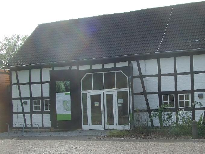Eröffnetes Steinhaus