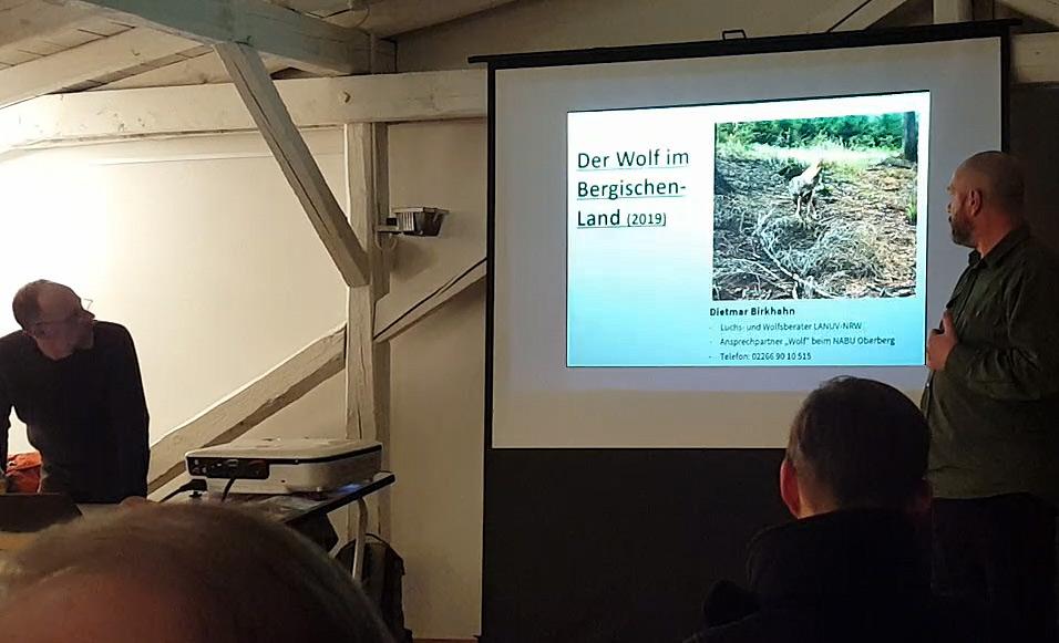 Die Wolfs-Experten Markus Bathen (links) und Dietmar Birkhahn (rechts), Vortrag im Turmhof 12.02.2010